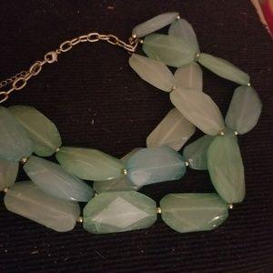 Jewelry - Blue bead necklace